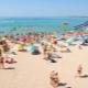Pantai berpasir yang terbaik di Crimea untuk keluarga dengan anak-anak