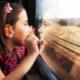 Melawat anak-anak dalam kereta api jarak jauh