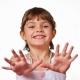 Eruzione cutanea sul palmo e sui piedi di un bambino