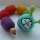 Bagaimana untuk membuat rattle? Kelas-kelas induk dengan bahan-bahan bekas dan crochet
