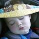 ยึดศีรษะของเด็กไว้ในเบาะรถยนต์: จำเป็นต้องทำอะไรและทำอย่างไร?
