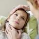 อักเสบที่คอของเด็ก: อาการและการรักษา
