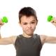 Latihan berkesan dengan dumbbells untuk kanak-kanak