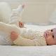 Latihan untuk displasia sendi pinggul pada bayi baru lahir dan bayi