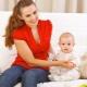 Pada umur berapa anda boleh mula duduk seorang kanak-kanak?