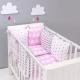 Memilih linen katil di dalam katil untuk bayi baru lahir