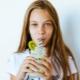 Apakah jenis koktel untuk kanak-kanak yang berguna dan bagaimana menyediakannya?