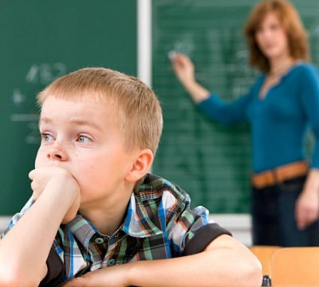 Nen hiperactiu: símptomes i signes: en els nounats, als 2, 3, 4, 5, 7 i 8  anys