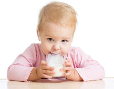 Kinderen tot het jaar van koemelk kunnen dat niet