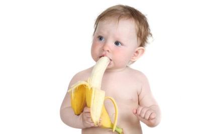 Bananen eten baby