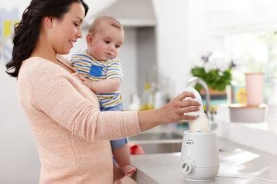 Scaldare il latte materno in uno scaldabiberon