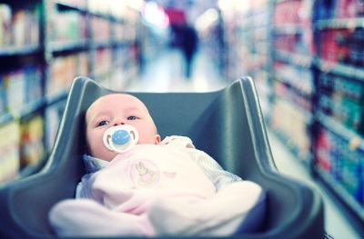 ทารกแรกเกิดที่มีหุ่น