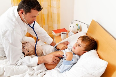 Het kind is ziek - diarree en braken, onderzoek door een arts