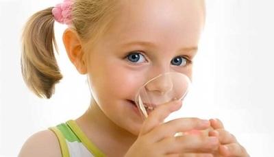 Water voor diarree bij een kind