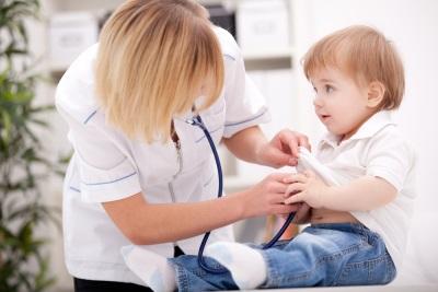 ตรวจสอบเด็กก่อนรับวัคซีน
