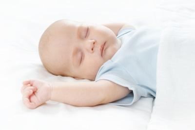 Zelf in slaap gevallen kind