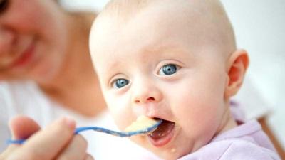 Aardappelpuree als babyvoeding