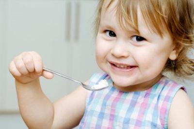 Pap eet een kind