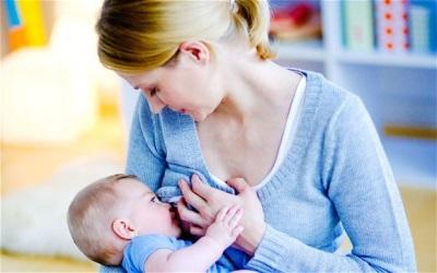 Bayi menyusu