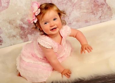 طفل 10 أشهر