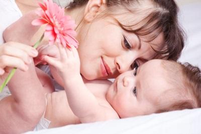 Mama și bebelușul 5 luni