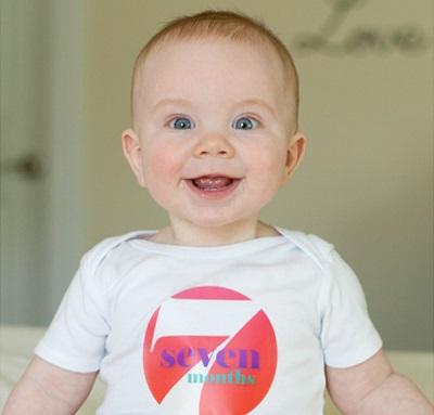เด็ก 7 เดือน