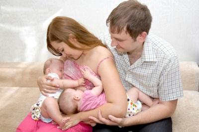 เด็ก 7 เดือนดื่มนมแม่