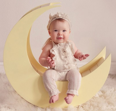 Lány 7 hónap