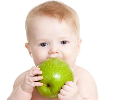 แอปเปิ้ลเขียวสำหรับการให้อาหารครั้งแรก