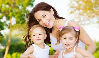 Ibu dengan kanak-kanak 4 tahun