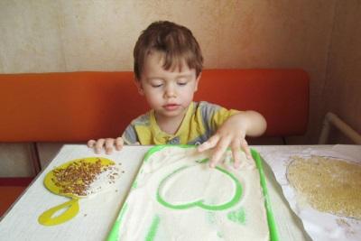 Játékok gabonafélékkel egy gyermek számára