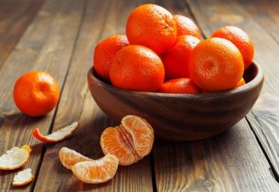 Tangerines dalam pasu