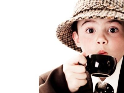 เด็กดื่มกาแฟ