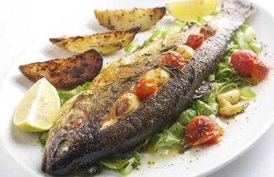 อาหารปลาแม่น้ำ