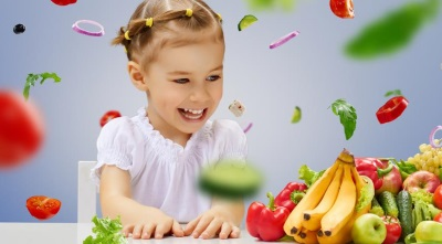 ทารกและอาหารที่อุดมไปด้วยวิตามิน