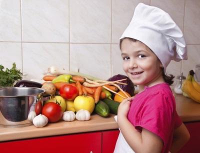 תזונה מאוזנת עם ויטמינים לילד
