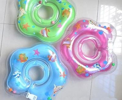 Cirkel in de nek voor het baden van pasgeborenen - voorbereiding voor gebruik