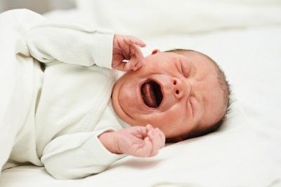 مغص في الأطفال حديثي الولادة