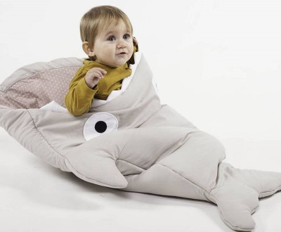 Wanneer een slaapzak gebruiken voor een pasgeborene?