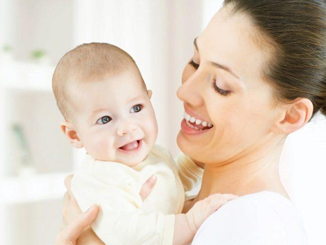 Pemeriksaan bayi sebelum vaksinasi
