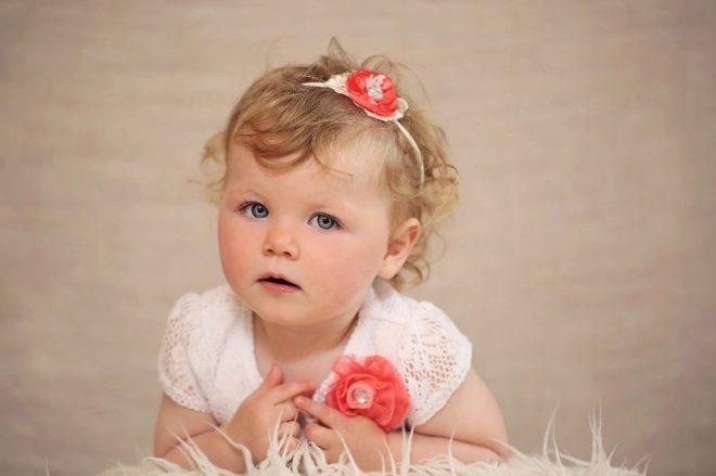 Criança em 1 ano ofendido
